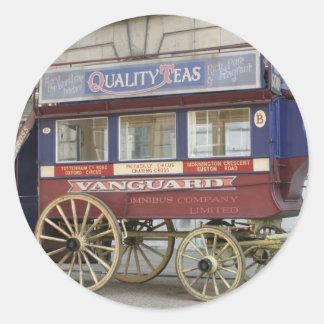Autobús traído por caballo del vintage, Londres Pegatina Redonda