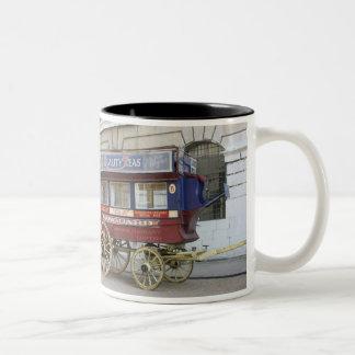 Autobús traído por caballo del vintage, Londres Taza De Dos Tonos