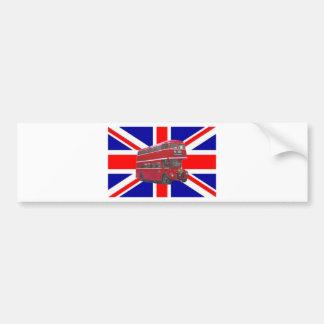 Autobús y bandera rojos de Union Jack Etiqueta De Parachoque