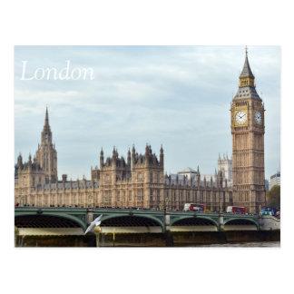 Autobuses en la postal del puente de Westminster