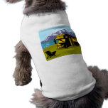 Autocaravana de las montañas de la pesca del pesca camiseta de perrito