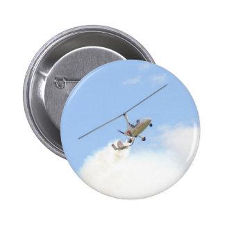Autogiro en vuelo pin
