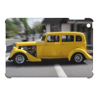 Automóvil descubierto clásico amarillo del vintage iPad mini carcasa