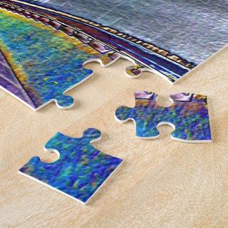 Autopista sin peaje que conduce en hoja coloreada puzzles con fotos