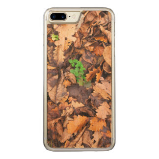 Autumn Dry Leaves and Green Clovers Carved iPhone 8 Plus/7 Plus Case