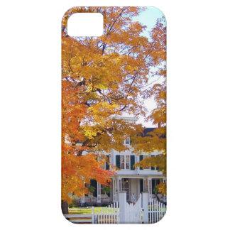 Autumn in the Suburbs iPhone SE/5/5s Case