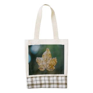 Autumn leaf macro zazzle HEART tote bag