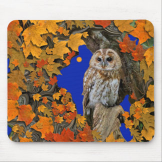 Autumn Leaves Are Falling With Hoot Owl. Mouse Pad