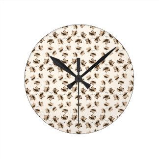Autumn Leaves Motif Pattern Round Clock