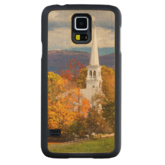 Autumn Scene In Peacham, Vermont, USA Carved® Maple Galaxy S5 Case