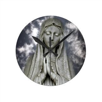 Ave Maria Round Clock