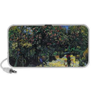 Avenida con los árboles de castaña florecientes en iPod altavoces