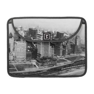 Avenida de Michigan en Chicago (1911) Funda Macbook Pro