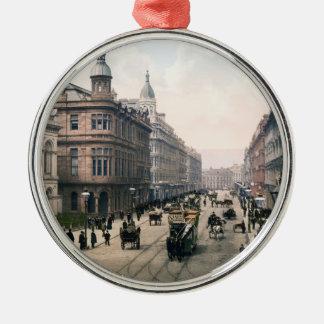 Avenida real Belfast Co. Antrim, Irlanda 1890 Adorno Redondo Plateado