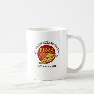 Aventura de la pizza de Milwaukee Taza Clásica