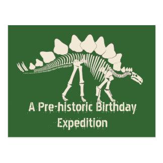 Aventura del cumpleaños del empuje del dinosaurio postal