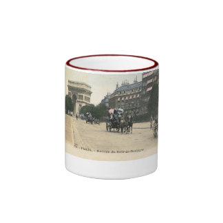 Avenue du Bois de Boulogne, Paris Vintage Ringer Mug