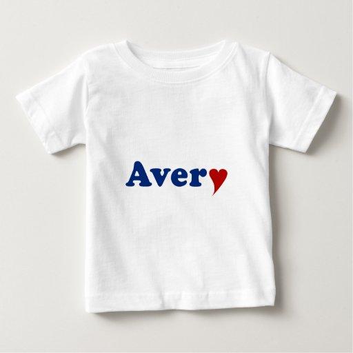Avery con el corazón playera de bebé