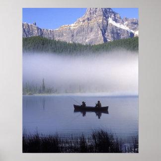 Aves acuáticas nacional del lago Banff de la pesc Poster