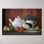 Aves de corral, peras y porcelana francesas posters