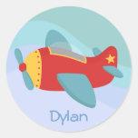 Avión colorido y adorable del dibujo animado pegatinas redondas