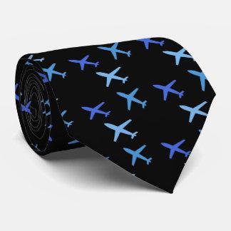 avión, corbata