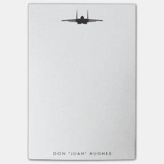 Avión de combate de F-15 Eagle con el texto de Post-it® Notas