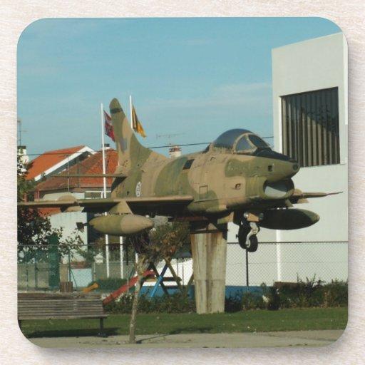 Avión de combate del portugués del vintage posavasos
