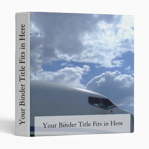 Avión de pasajeros-carlinga-con-nube-en-fondo