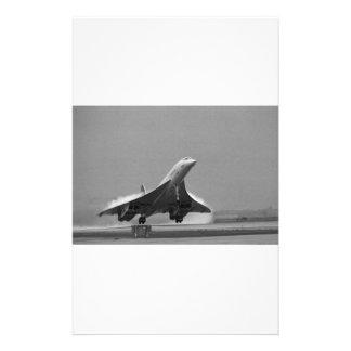 Avión del ángulo papeleria de diseño