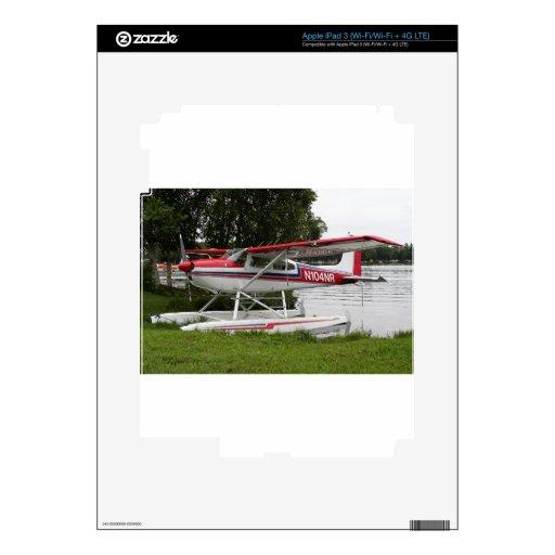 Avión del flotador de Cessna, capilla del lago, Al iPad 3 Pegatinas Skins