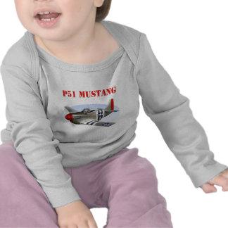 Avión Plata-Rojo del mustango P51 Camisetas
