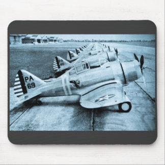 Aviones de combate del vintage WWII de Seversky P- Mousepads