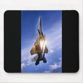 AVIONES DE COMBATE F-15 QUE TIRAN LLAMARADAS TAPETES DE RATÓN