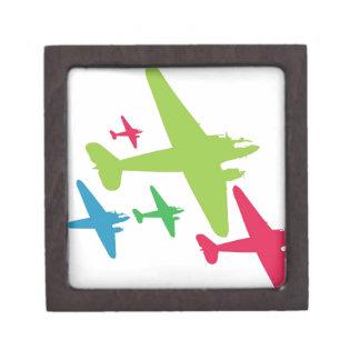 Aviones retros del vintage en la formación caja de recuerdo de calidad