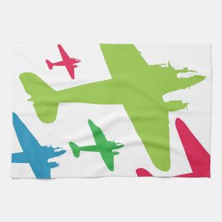 Aviones retros del vintage en la formación toallas de cocina