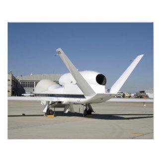 Aviones sin tripulación 2 del halcón global cojinete