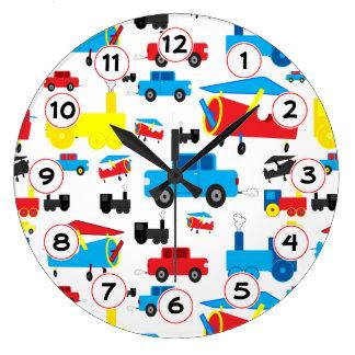 Aviones, trenes y collage coloridos lindos de los reloj redondo grande