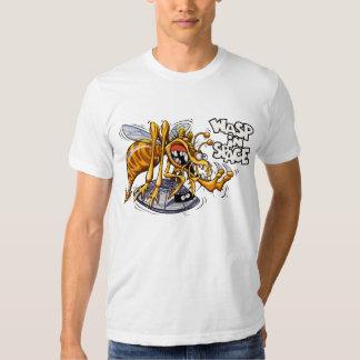 Avispa en camiseta del blanco del espacio playera