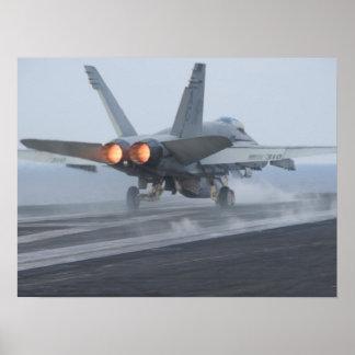 Avispón de F/A-18C a bordo de USS Dwight D. Eisenh Poster
