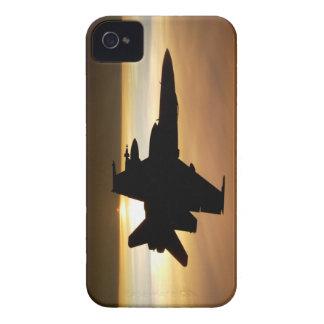 Avispón de la marina de guerra F/A-18C iPhone 4 Case-Mate Carcasa