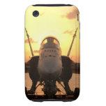 Avispón F-18 en el mar a bordo portaaviones de los Tough iPhone 3 Protectores