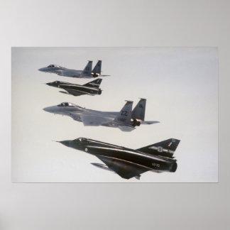 Avispones III y F-18 del espejismo Póster