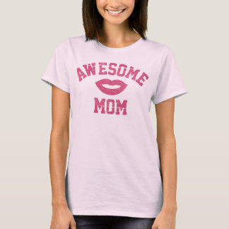 Awesome Mom (Lip) T-Shirt