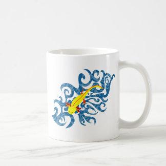 Axolotl yellow in the Wassser Coffee Mug