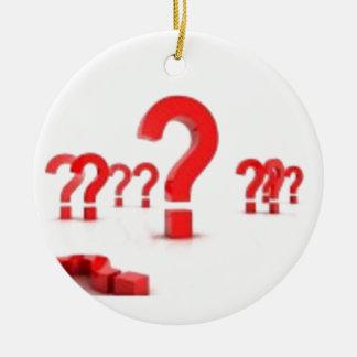Ayuda del signo de interrogación adorno navideño redondo de cerámica