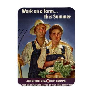 Ayuda en la protección de la granja durante WWII Imán De Vinilo