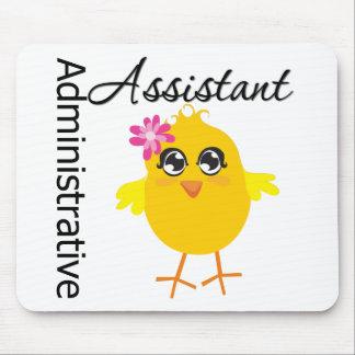Ayudante administrativo lindo del polluelo de la c alfombrillas de raton