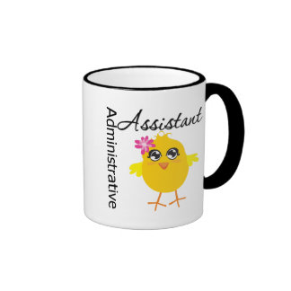 Ayudante administrativo lindo del polluelo de la c taza de café