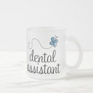 Ayudante de dentista lindo tazas de café